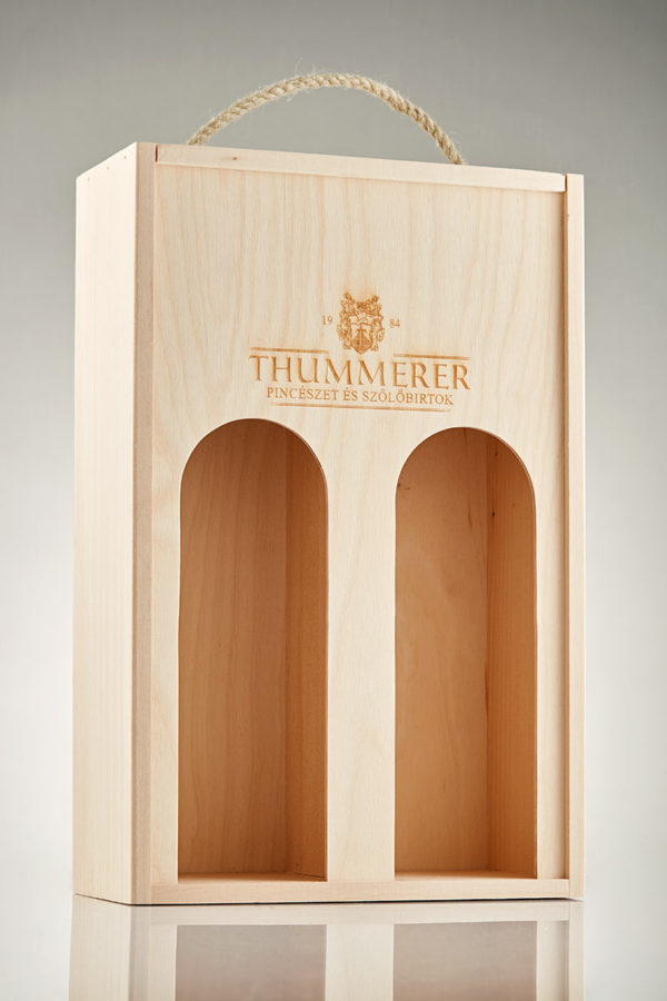 2 champagnes in wooden box